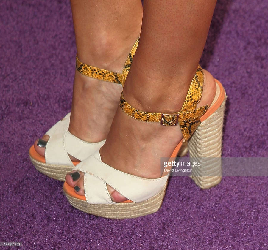 Addison Timlin Feet