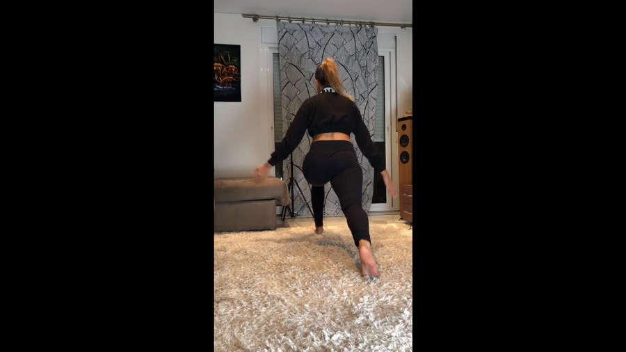 Corina Randazzo Feet
