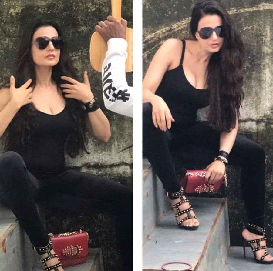 Ameesha Patel Feet