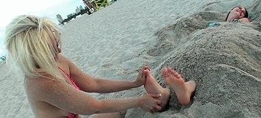 Addie Juniper Feet