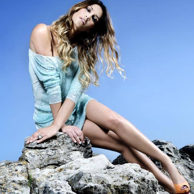 Isabel Figueira Feet