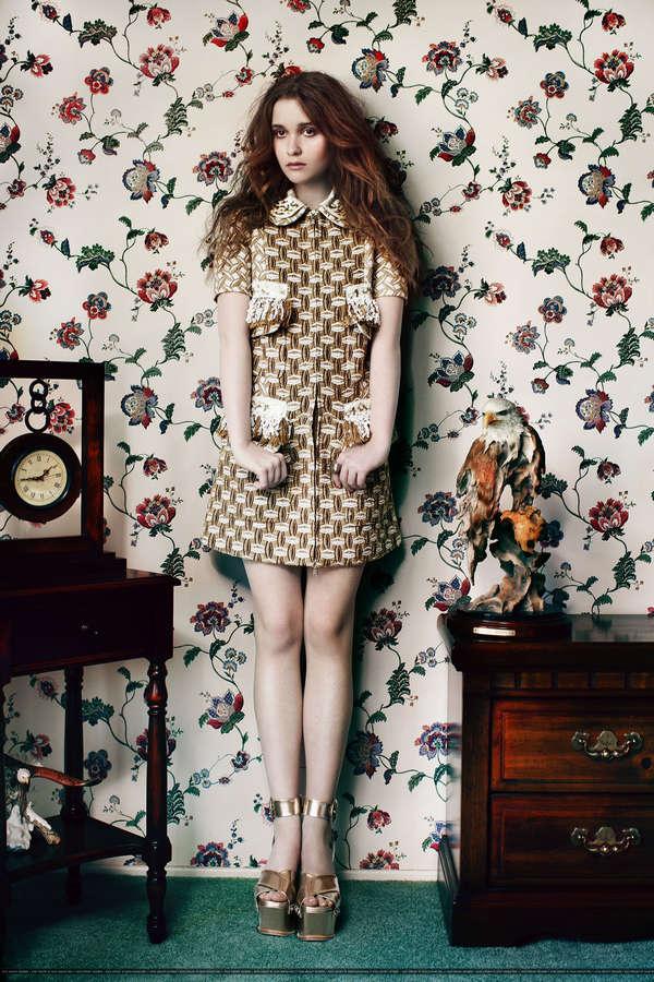 Alice Englert Feet