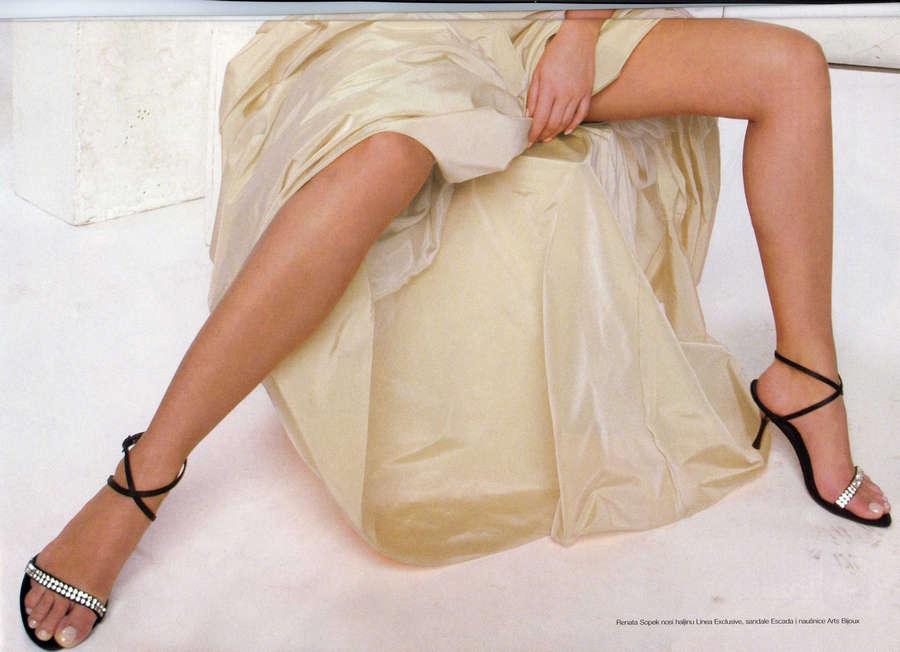 Renata Sopek Feet