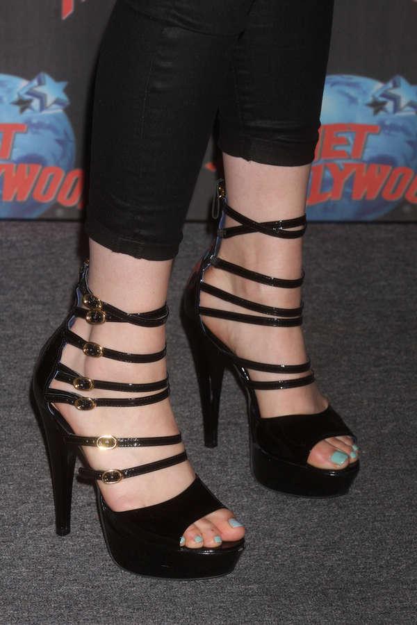 Jessica Cornish Feet