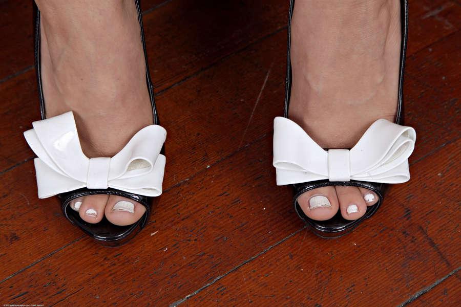Sara Luvv Feet