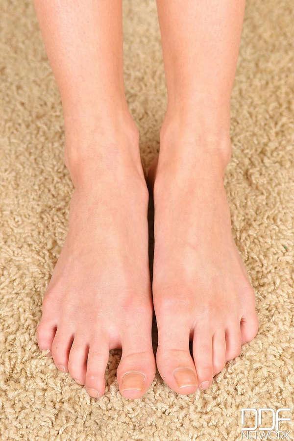 Sienna Day Feet