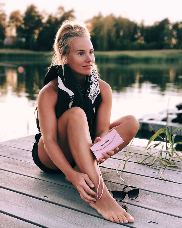 Elina Leskinen Feet