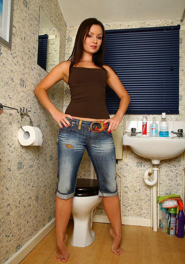 Трансвеститы в джинсах, знакомства для секса через вебку