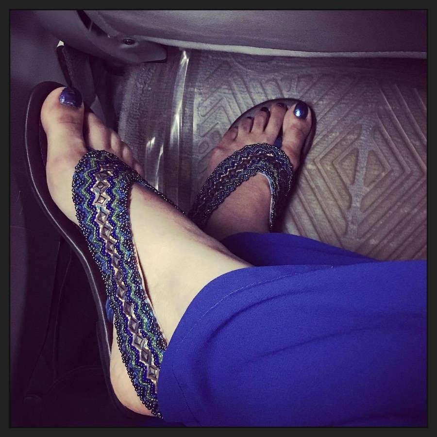 Mumtaheena Toya Feet