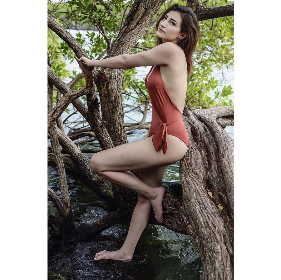 Ana Jimena Villanueva Feet