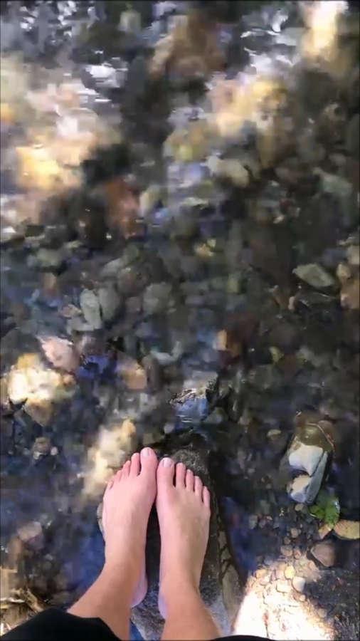 Bruna Linzmeyer Feet