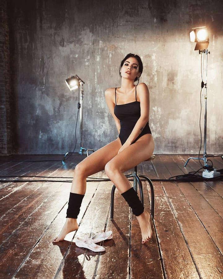 Giulia De Lellis Feet