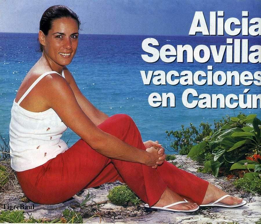 Alicia Senovilla Feet