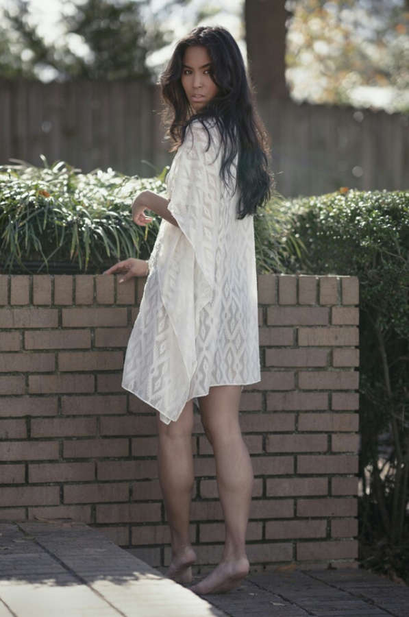 Danielle Lyn Feet