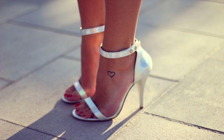 Kenza Feet