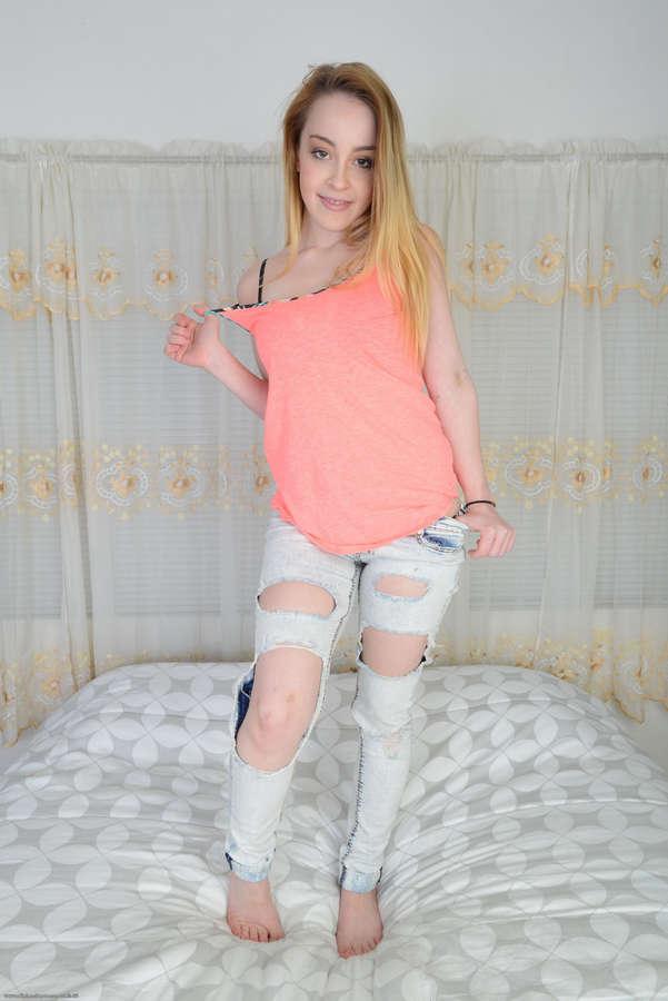 Alexia Gold Feet