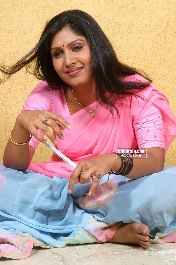 Naina Feet