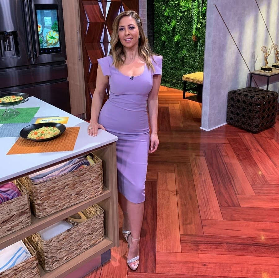 Stephanie Himonidis Feet