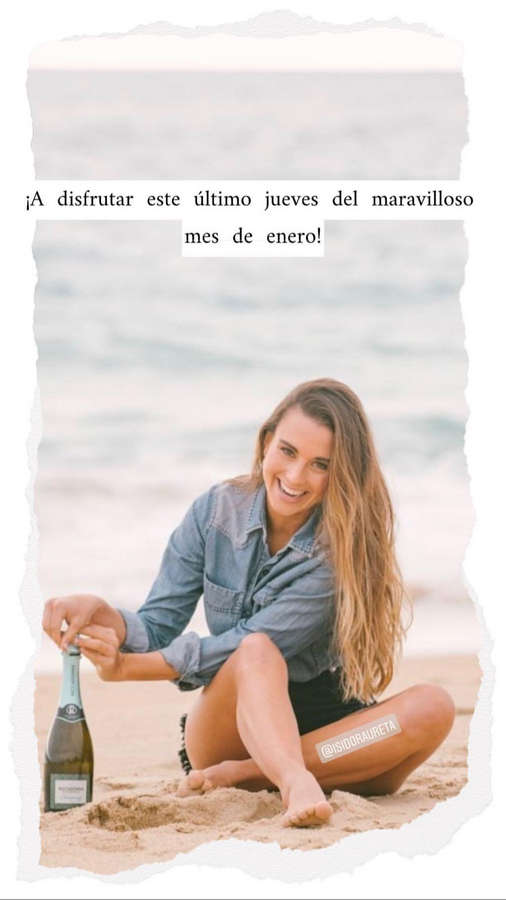 Isidora Ureta Feet