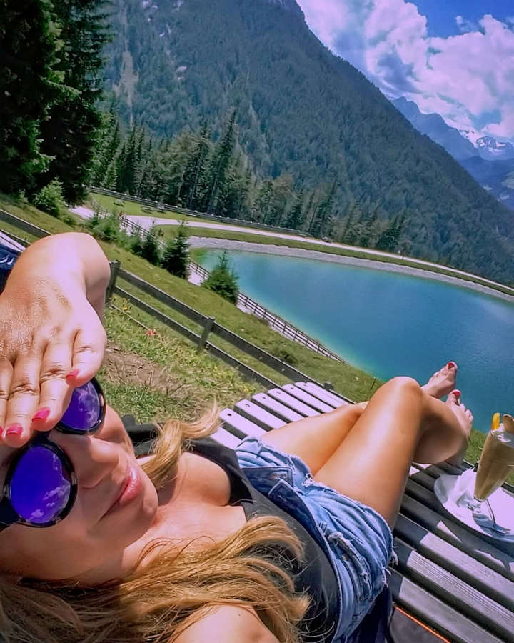 Barbora Hlavackova Feet