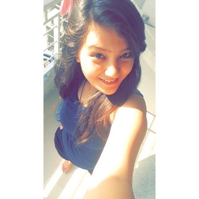 Aashika Bhatia Feet