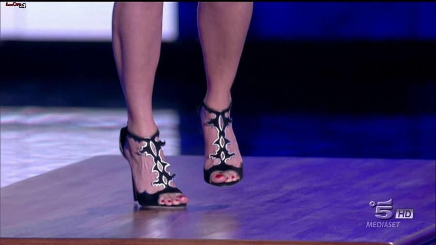 Emma Marrone Feet