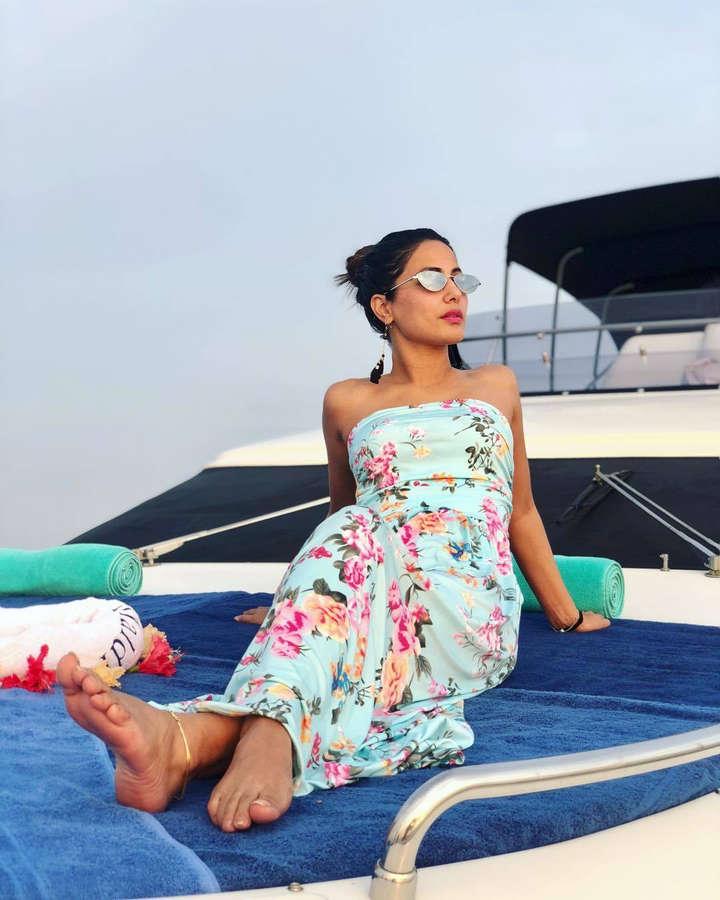 Hina Khan Feet