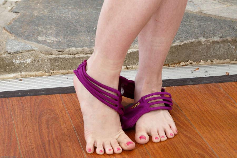 Annabelle Lee Feet