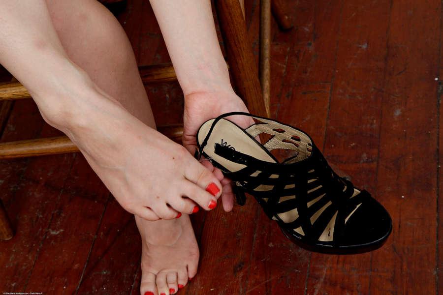 Phoebe Queen Feet
