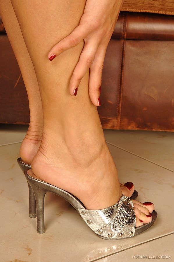 Lara Stevens Feet
