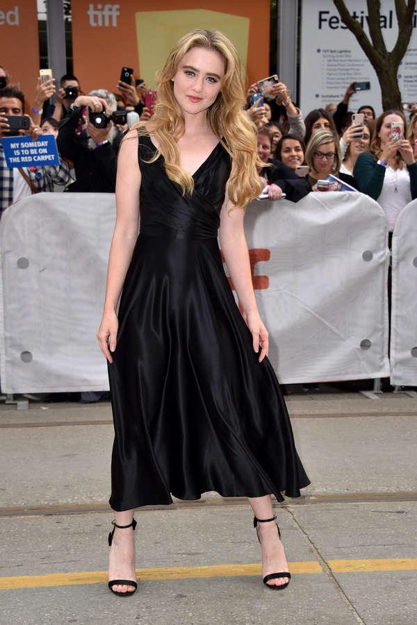 Kathryn Newton Feet (13 photos) | celebrity-feet.com