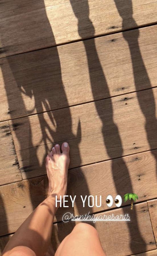 Iris Mittenaere Feet