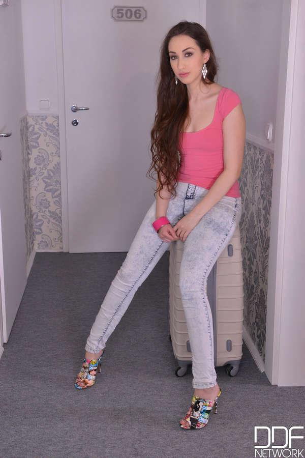 Leyla Bentho Feet