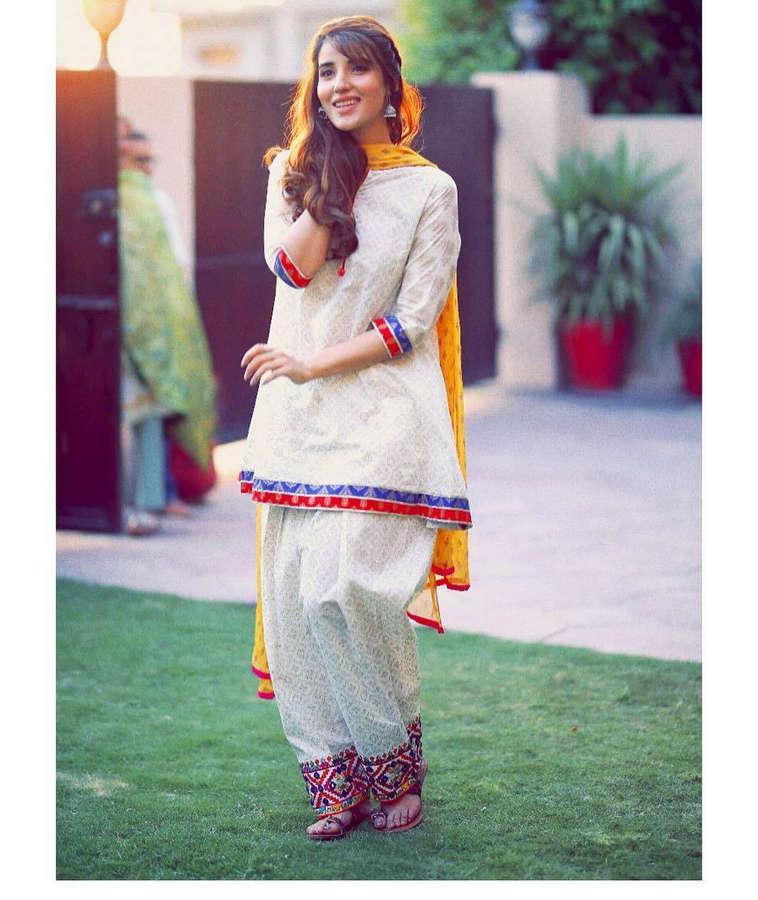 Hareem Farooq Feet