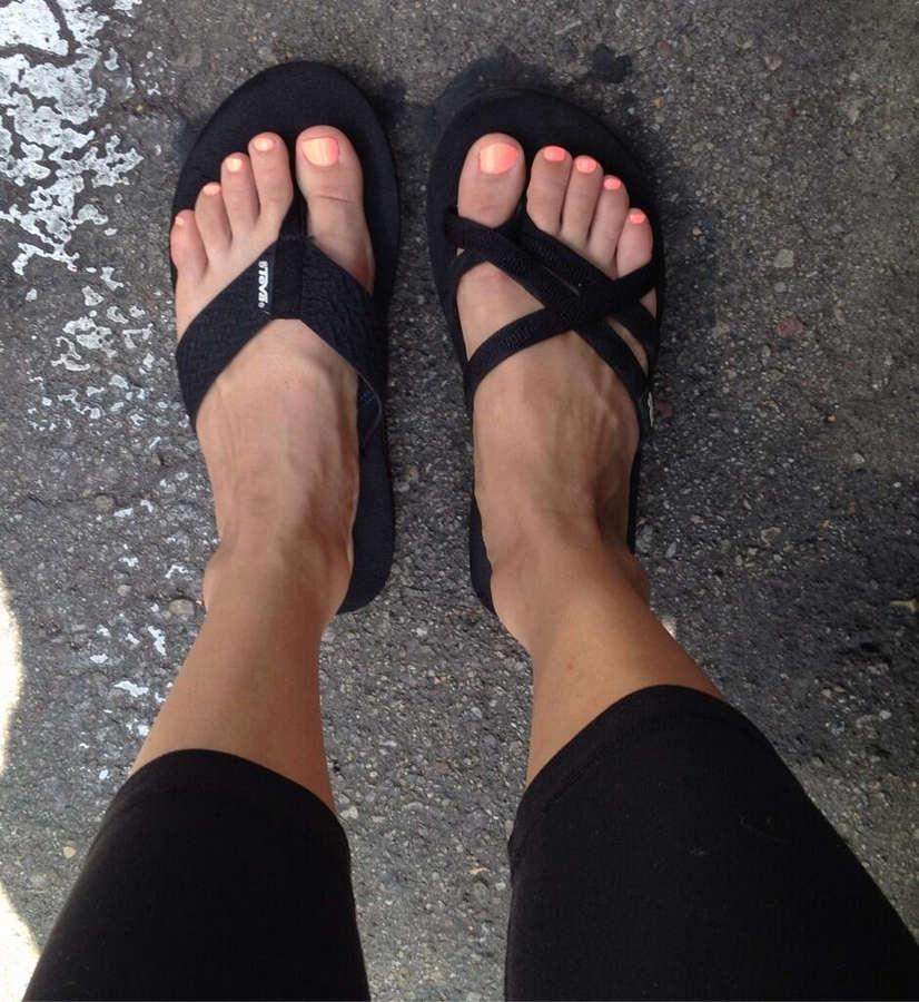 Sara Jean Underwood Feet