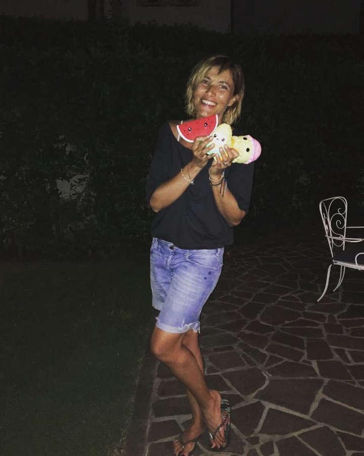 Anna Foglietta Feet