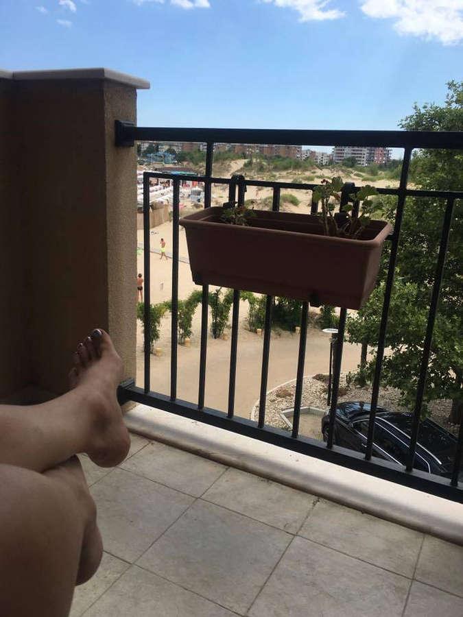 Emanuela Feet