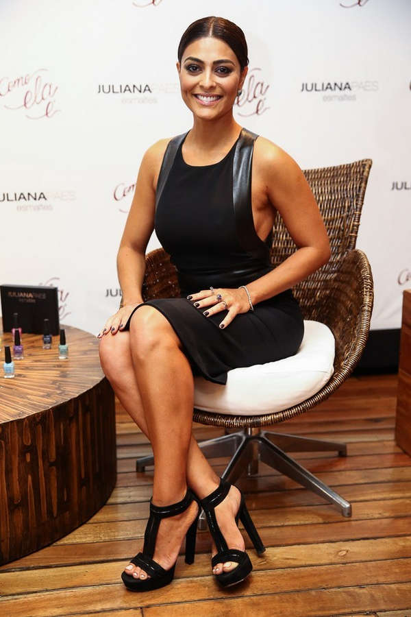 Juliana Paes Feet