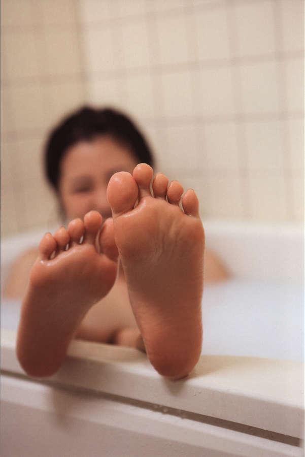 Erina Mano Feet