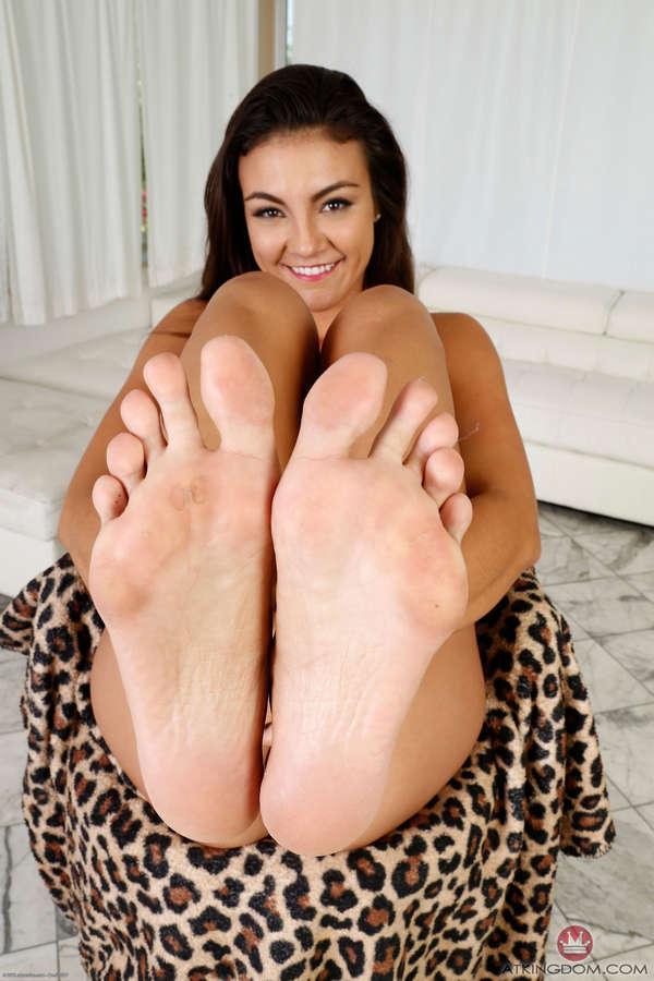 Tomi Taylor Feet