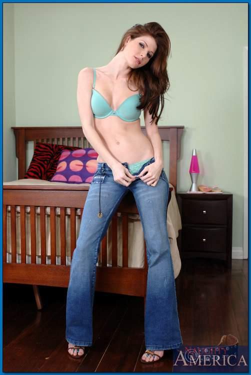 Jenni Lee Feet