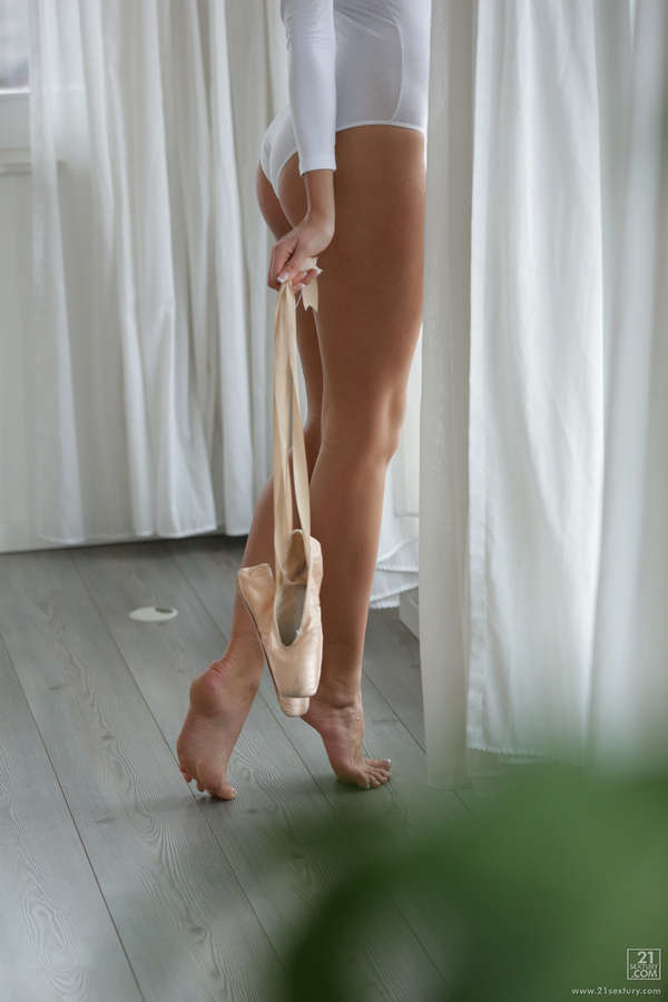 Ivana Sugar Feet