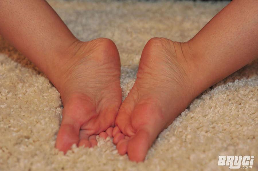 Bryci Feet