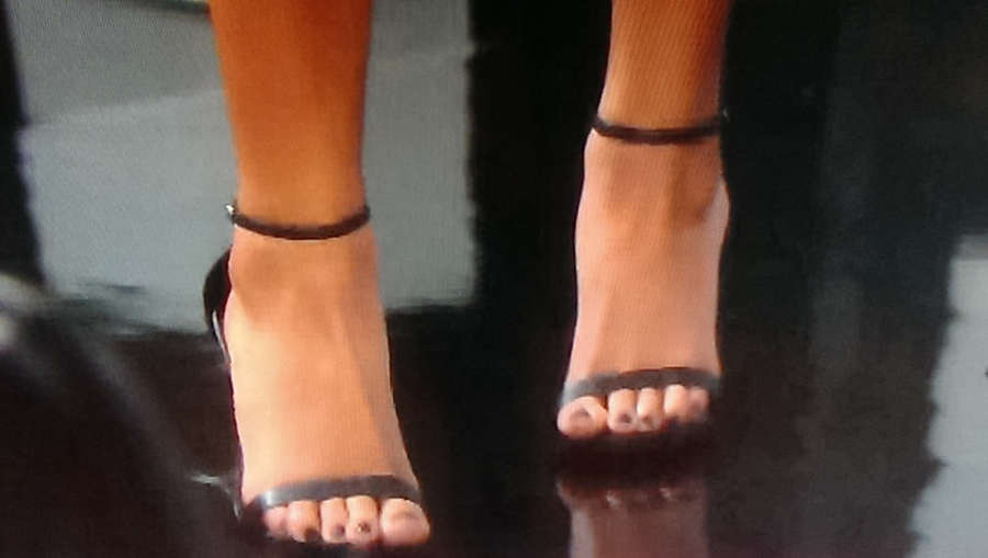 Reign Edwards Feet