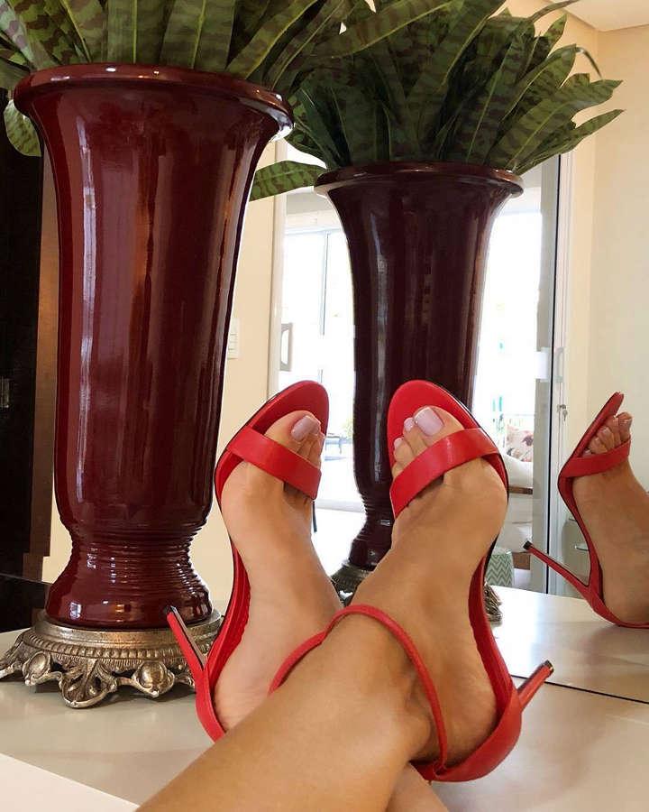 Claudia Citroni Feet