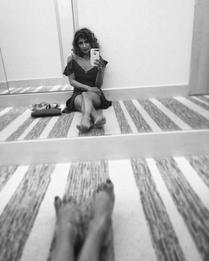 Sarayu Blue Feet