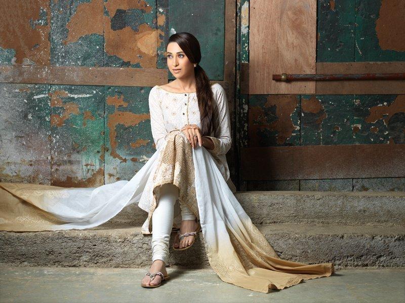 Karisma Kapoor Feet