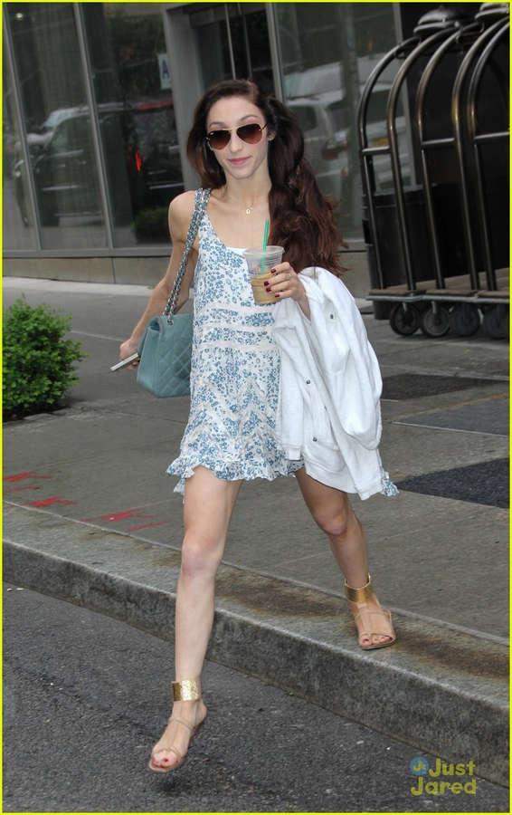 Meryl Davis Feet