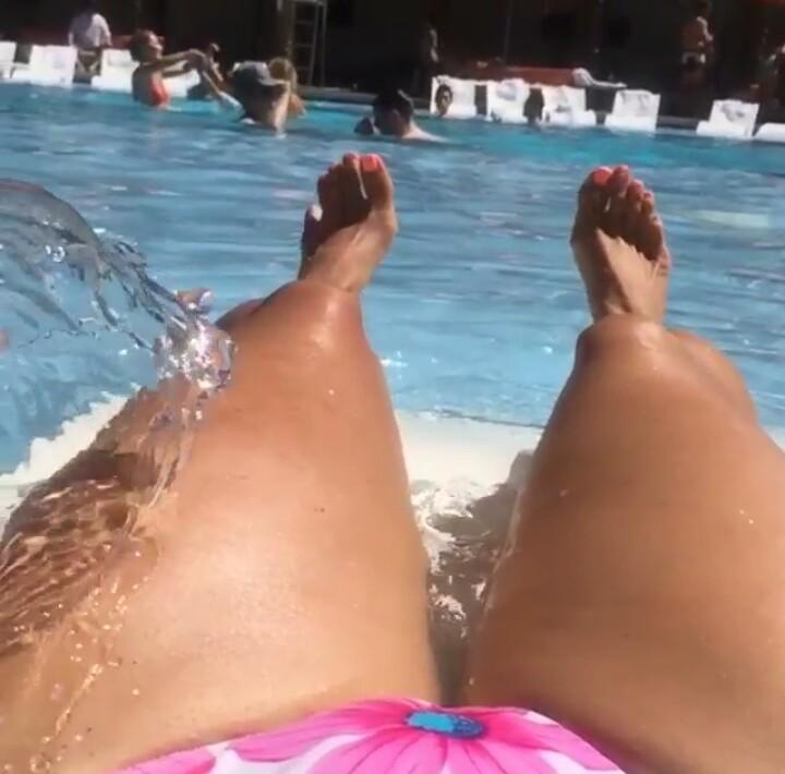 Nathalia Hencker Feet