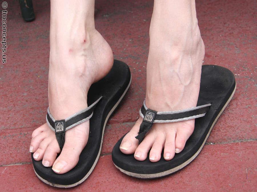 Sara Liz Feet